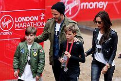Los Beckham: unidos y glamourosos - 250x