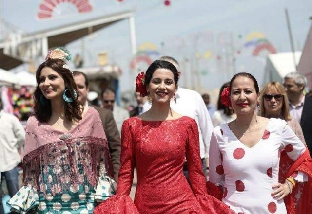 Inés Arrimadas Desnuda Su Españolismo En La Feria De Abril De