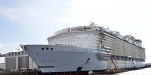 Symphony of the Seas: cinco veces el Titanic, 2.774 camarotes y robots camareros