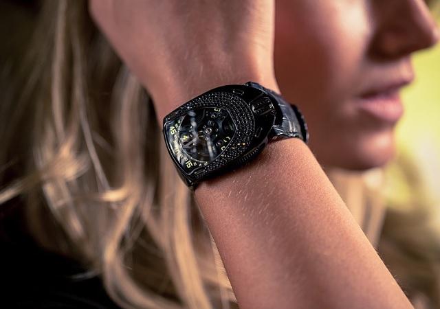 URWERK y su reloj de lujo para mujer