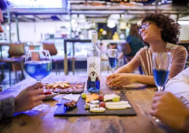 vino-azul-gik-1.jpg