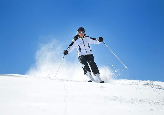 Donde comprar auténtica venta caliente amplia selección de colores y diseños La ropa de esquiar más exclusiva también apuesta por el ...