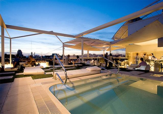 Las mejores piscinas de madrid para este fin de semana for Mejores piscinas