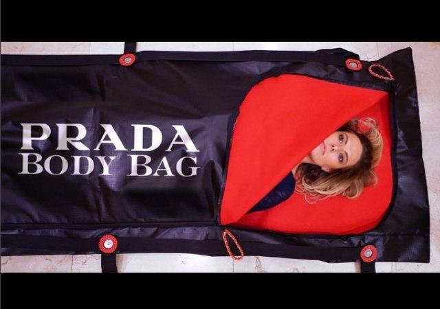¿Bolsas para muertos de Prada?