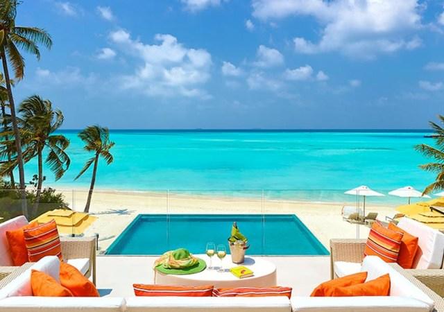 dos hoteles de lujo en las islas maldivas