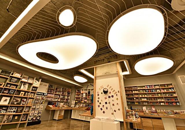 Carrusel de la luz una imponente librer a en bucarest - Libreria de luces ...