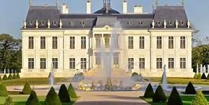 El poderoso príncipe heredero saudí que se ha convertido en el dueño de la mansión más cara del mundo