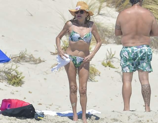 Tita Thyssen Luce Bikini Sin Complejos En Ibiza Informaliaes