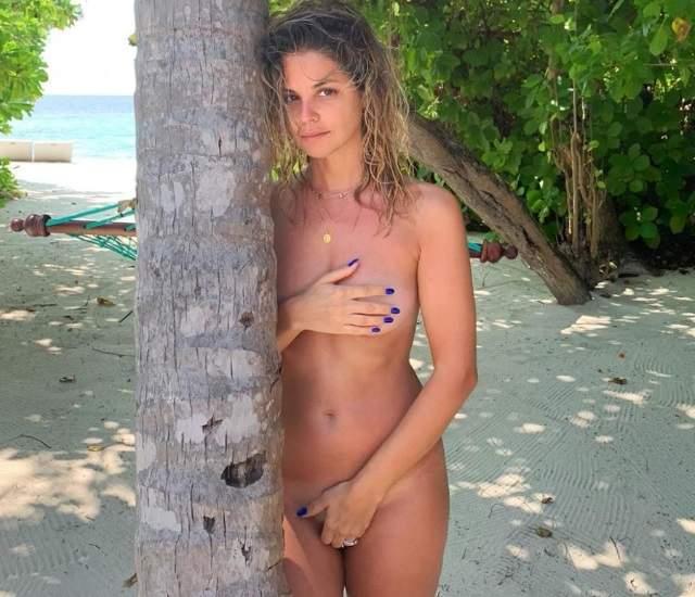 Giomar Puerta La Protagonista De 45 Revoluciones Posa Desnuda