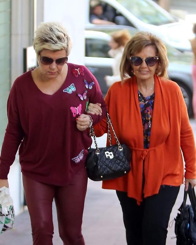 83dccc2a19 Todos se están volcados con la presentadora y no la dejan ni un segundo.  Esta vez ha sido su madre, María Teresa Campos (77), la encargada de  acompañar a ...