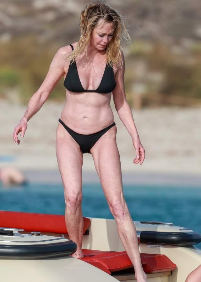 Melanie Griffith se pasea por Ibiza en bikini a sus 61 años y es clavadita a Gollum Melanie-ibiza6