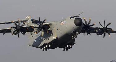 Airbus asume una pérdida de 1.026 millones por problemas en el A400M