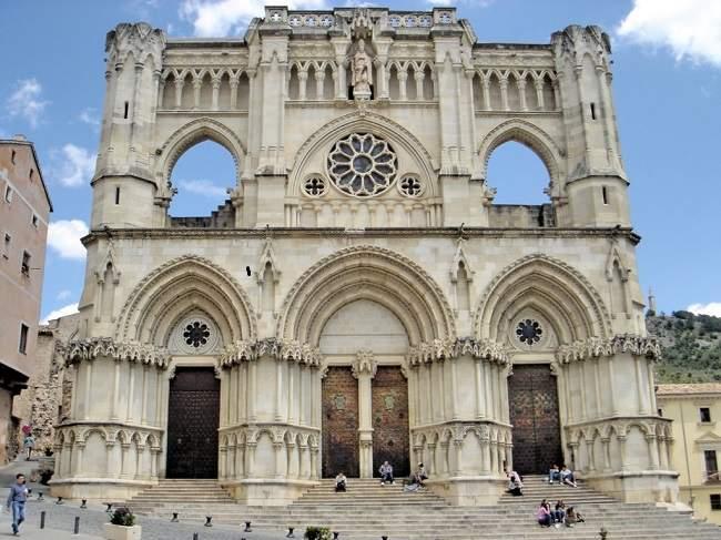 Catedral_cuenca-650.jpg
