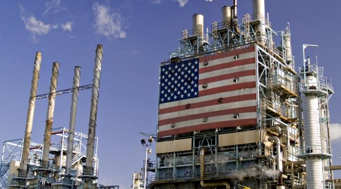 EEUU-refineria-bandera.jpg