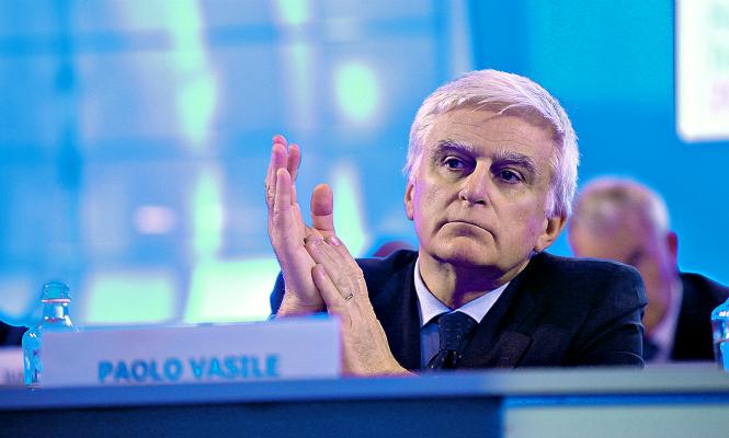 Industria deja a Mediaset saltarse las condiciones del nuevo canal de TDT