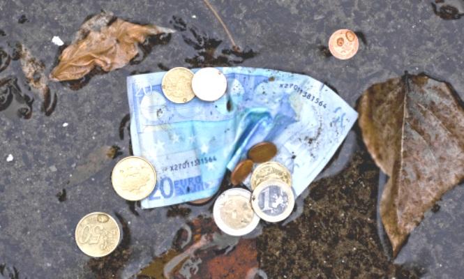La banca predice que el dinero físico desaparecerá dentro de una década