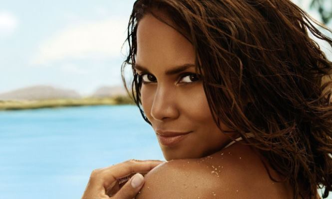 Foto halle berry desnuda Nude Photos 12