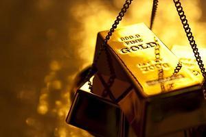 La fortaleza del dólar funde al oro