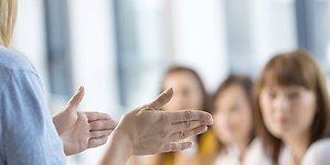 Los programas con mentores ganan peso en las fundaciones españolas