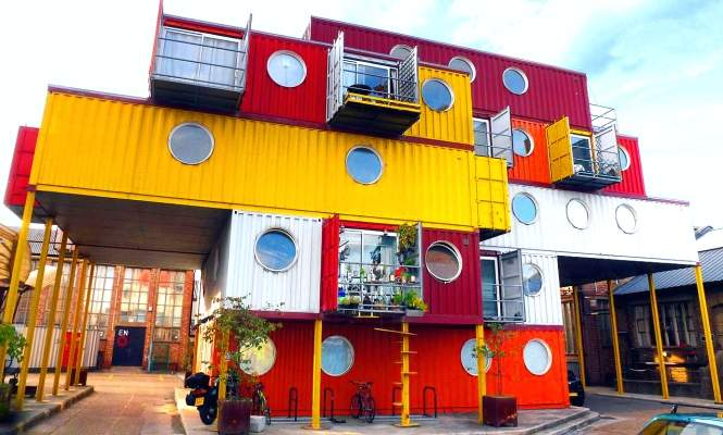 Contenedores mar timos viviendas recicladas a mitad de - Arquitectura contenedores maritimos ...