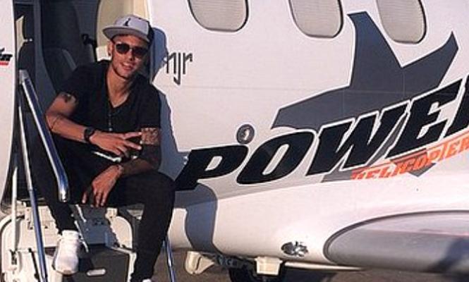 neymar-avion-665.jpg