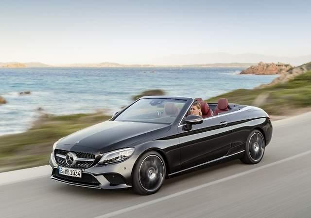 Mercedes-Benz Clase C coupé y cabrio: más tecnología y eficiencia