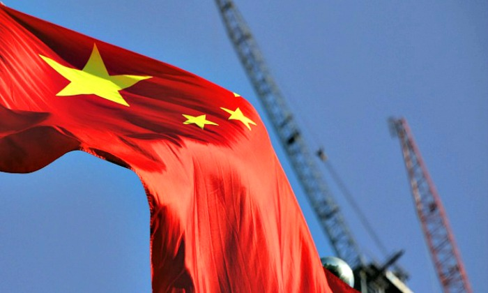 China-bandera-gruas-700.jpg