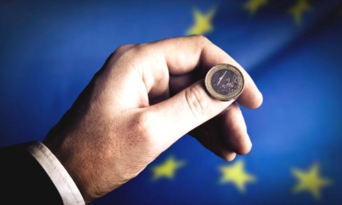 euro-europa-mano.jpg