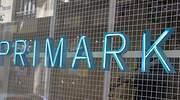 Primark anuncia el cierre de todas sus tiendas y de las compras a proveedores
