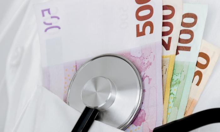 Andalucía, Galicia y Asturias pagan un bonus a los médicos por su exclusividad