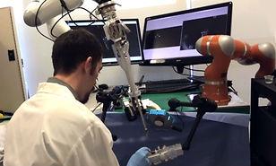 Robot opera solo por primera vez