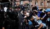 700x420_aficionados-maradona-reuters.png