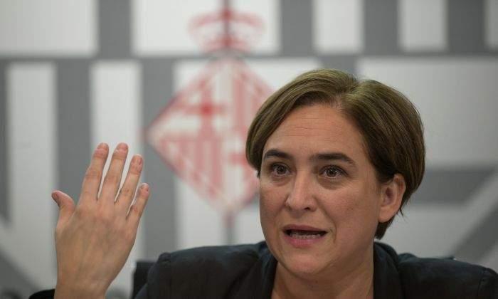 Ada Colau sopesa realizar una consulta para que Barcelona se una a los Municipios por la Independencia