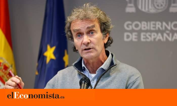 Las mascarillas FFP3 de Fernando Simón, el último error de un portavoz desgastado que tiene nueva 'jefa'