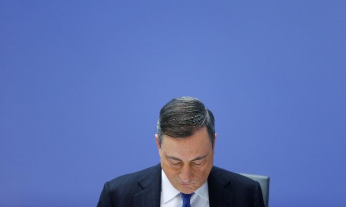 Draghi-mira-abajo.jpg