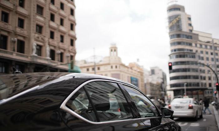Es oficial: Uber ya opera en Madrid con su servicio de coche con conductor