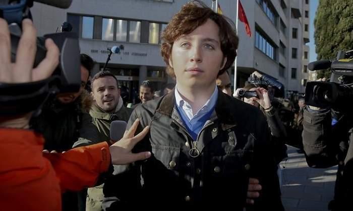 El pequeño Nicolás pide perdón por injuriar al CNI y a la Policía ante la exigencia de respeto de la Abogacía