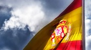espana-bandera-nubes-700.jpg