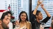 Cuidado con las cenas de empresa: cómo sobrevivir a los eventos navideños empresariales