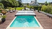 La venta de cubiertas de piscinas se multiplica para alargar la temporada veraniega