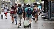 turistas-barcelona-rambla.jpg