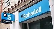 BBVA acepta las exigencias del Sabadell de pagar la absorción en efectivo