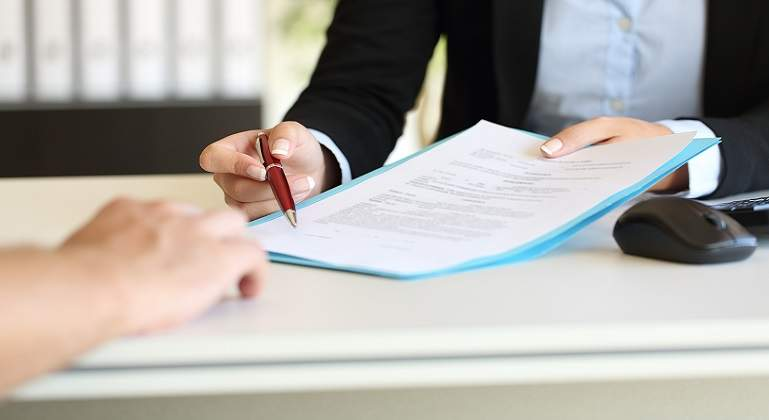LLa indemnización por el fin unilateral de un contrato de agencia incluye toda la retribución del agente
