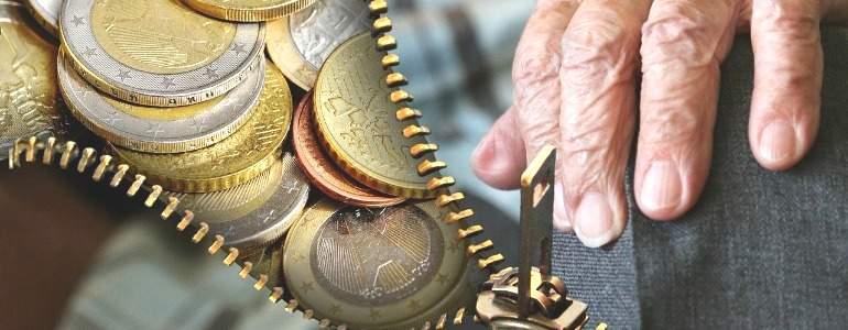 pensiones-jubilacion-euros-mano-770.jpg
