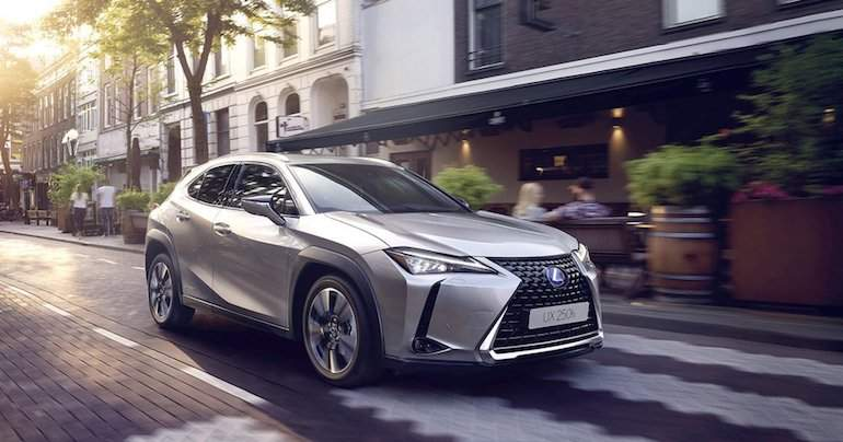 lexus ux 250h el suv compacto est a la vuelta de la esquina. Black Bedroom Furniture Sets. Home Design Ideas