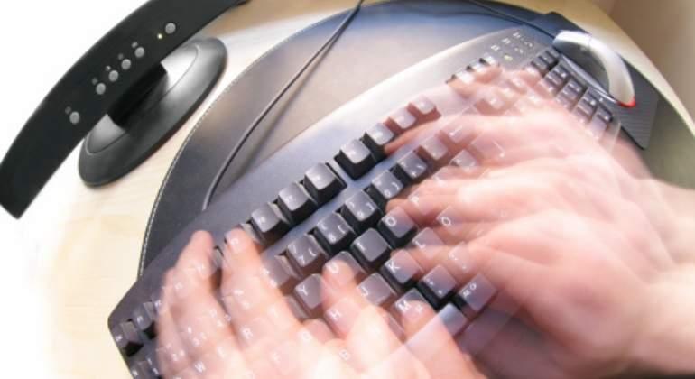 teclado-manos-movimiento-getty.jpg