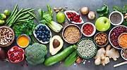 Estas son las propiedades de los alimentos según el color que tengan (y los que deberías tomar según tus necesidades)