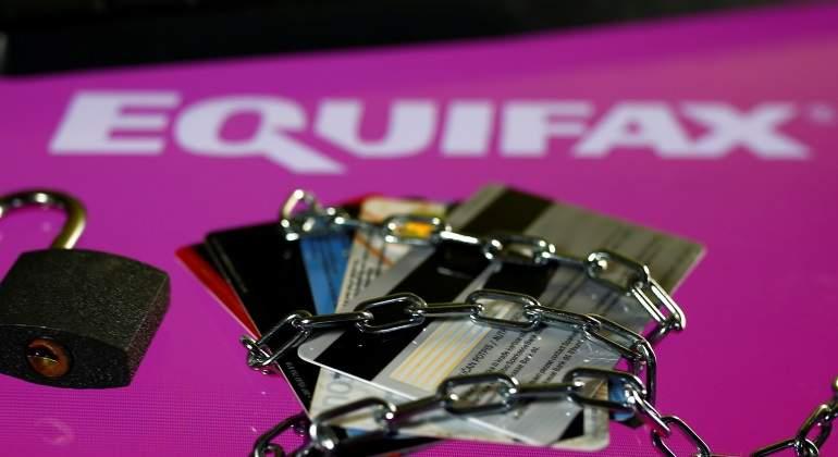 Presidente ejecutivo de Equifax dimite tras 'hackeo' masivo