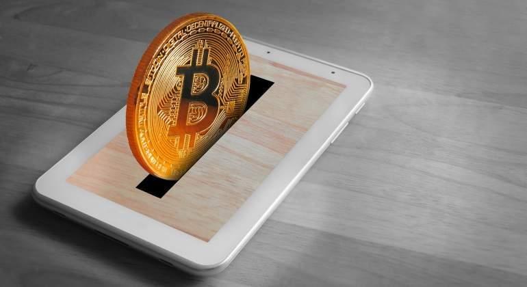 bitcoin-hucha-madera.jpg