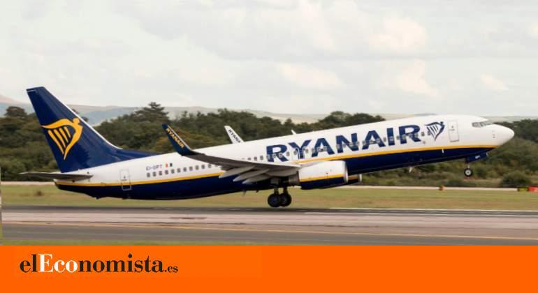 Los tripulantes de Ryanair irán a la huelga en septiembre ante el cierre de bases